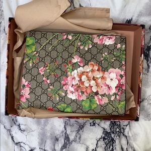 Gucci floral large cosmetic bag